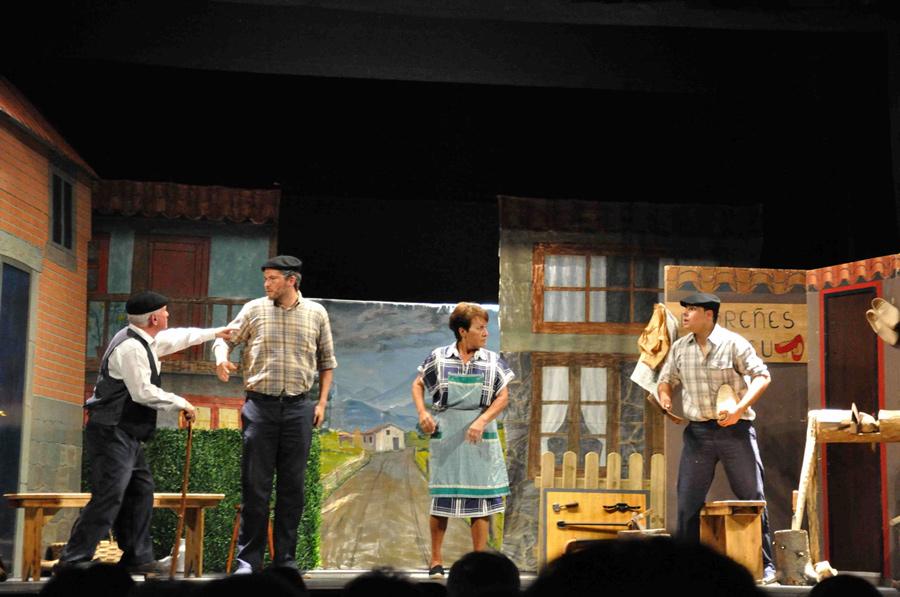 Teatro Rosario Trabanco con la obra 'Tan repetíos'