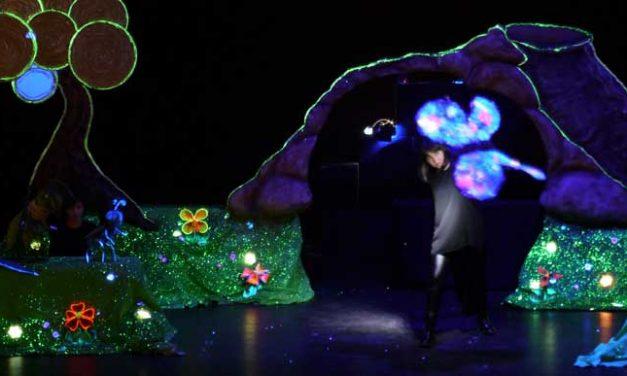 Teatro para escolares. Azul y la revolución de los colores