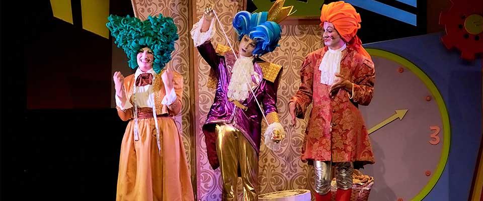 Teatro. La Roda Produccions: El traje nuevo del emperador