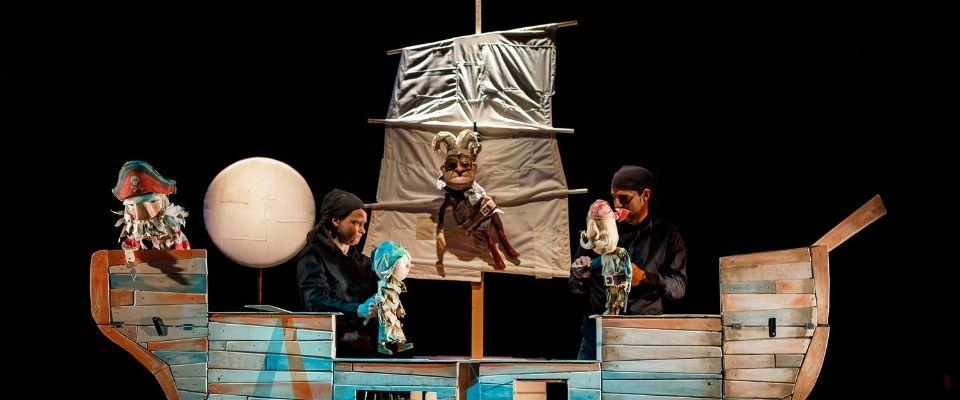 Teatro infantil y juvenil: FestucTeatre, Adiós Peter Pan